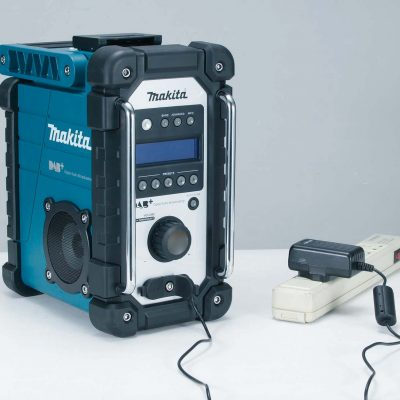 Makita DMR110 DAB plus bouwradio 2